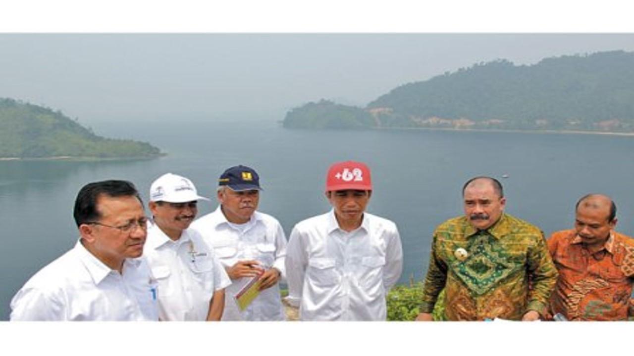Berkunjung ke Wisata Mandeh, Presiden Joko Widodo Berharap Pembangunan Kawasan Mandeh Angkat Perekon