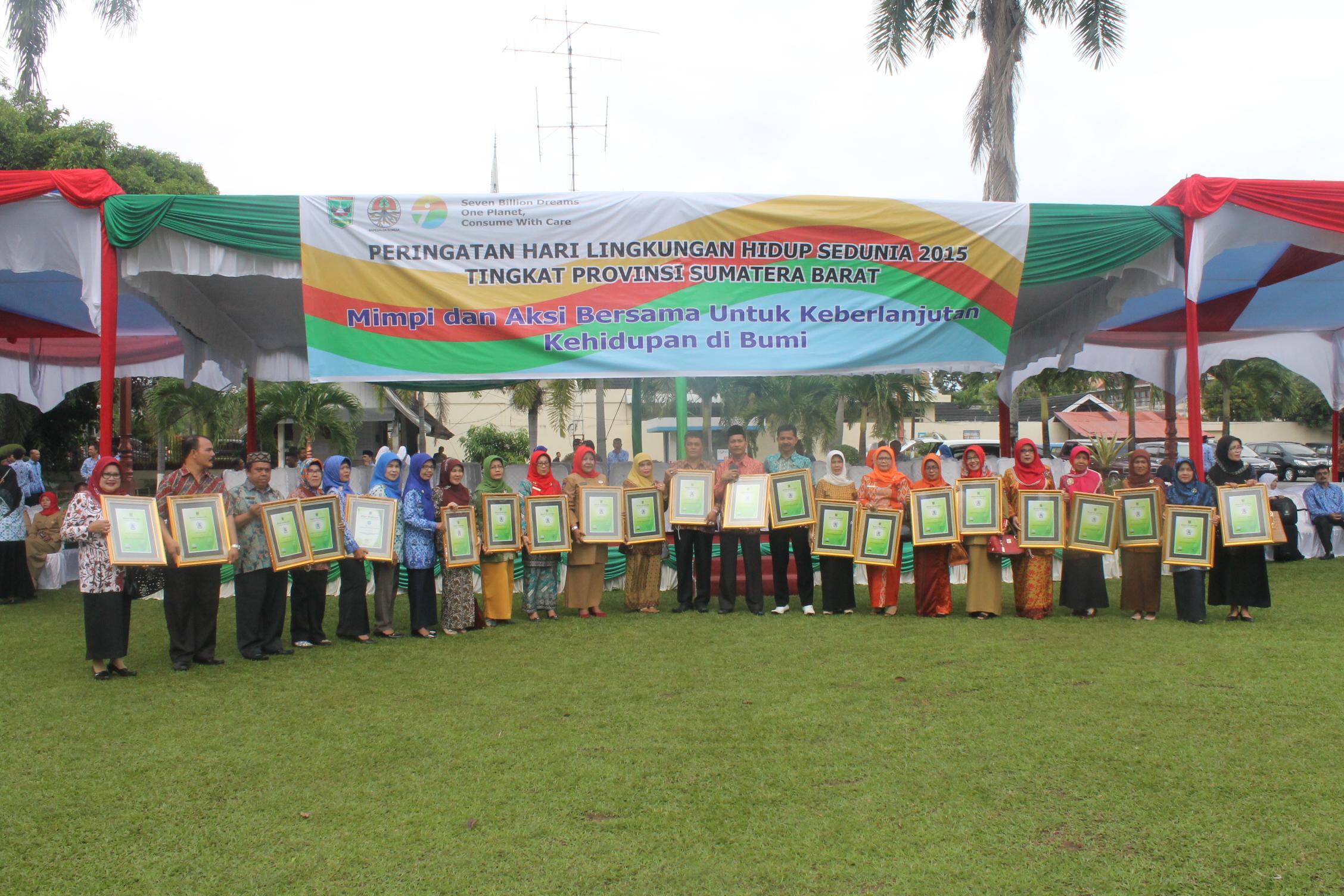 Nama-nama Sekolah Adiwiyata Tingkat Provinsi Sumatera Barat Tahun 2015