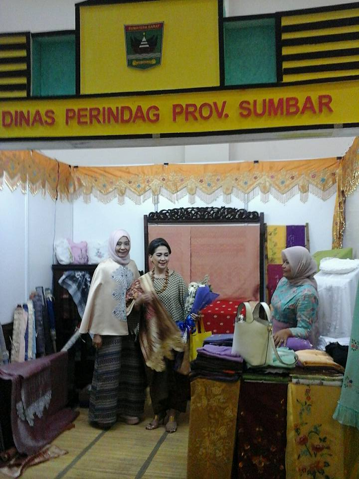 PAMERAN INDONESIA FASHION AND CRAFT 2016