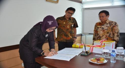 Pemprov Sumbar Serahkan Laporan Keuangan Pemerintah Daerah Ke BPK