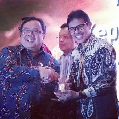 Gubernur Sumbar Menerima Penghargaan dari IAEI