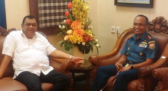 Ketua DPRD Sumbar Terima Dan Lantamal II Teluk Bayur yang Baru