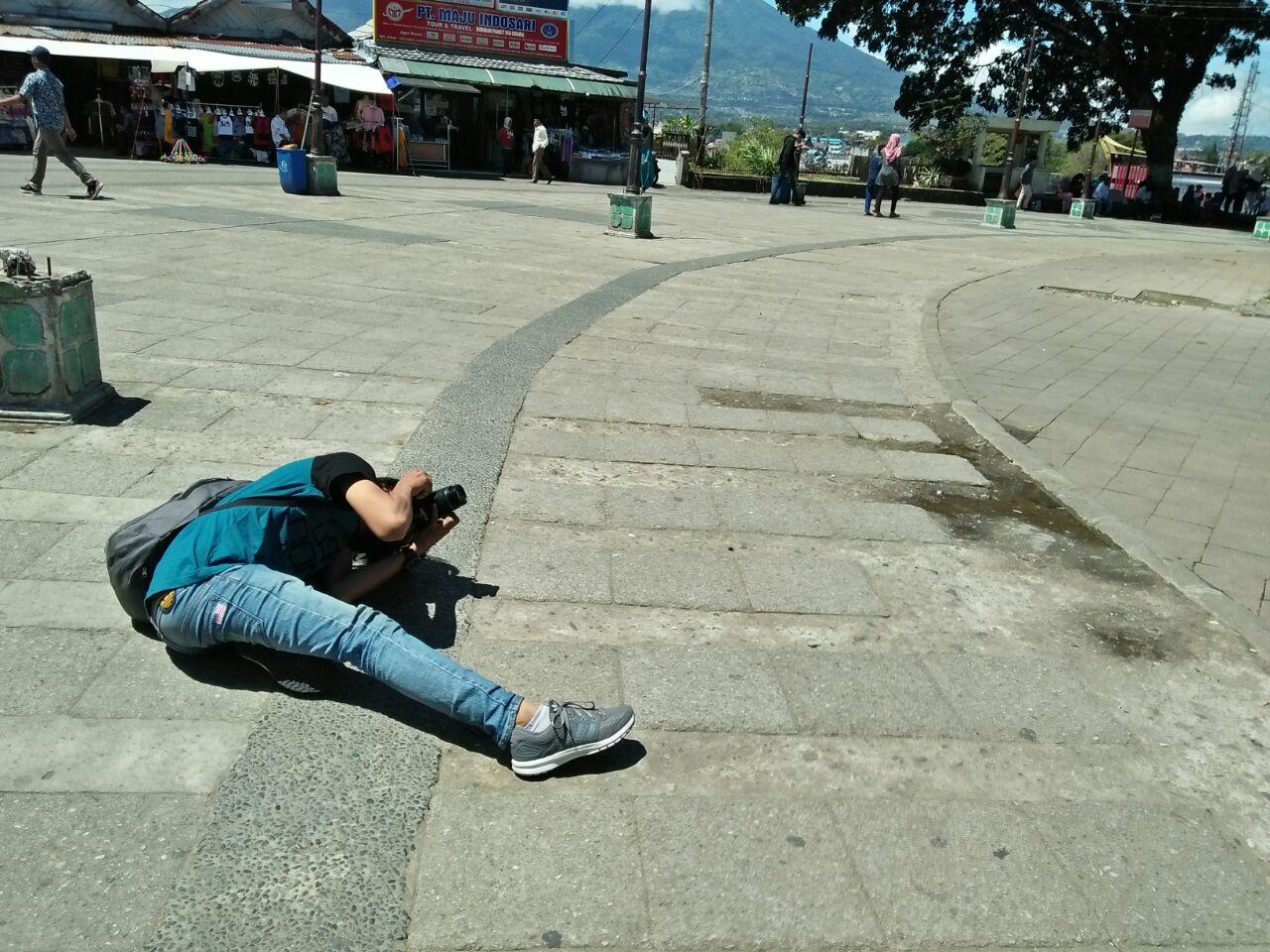 BIDIKAN SANG FOTOGRAFER