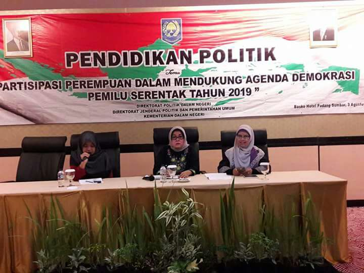 Organisasi Perempuan Sumbar Ikuti Pendidikan Politik