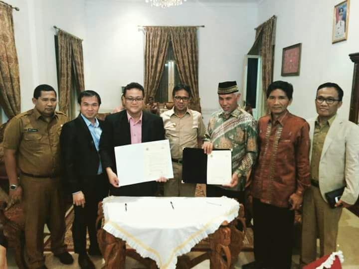 Gubernur Sumbar Saksikan MoU Antara Wako Padang dengan Perusahaan Malaysia