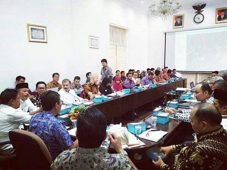 Gubernur Pimpin Rakor Persiapan Pembangunan Jalan Tol Padang-Pekan Baru