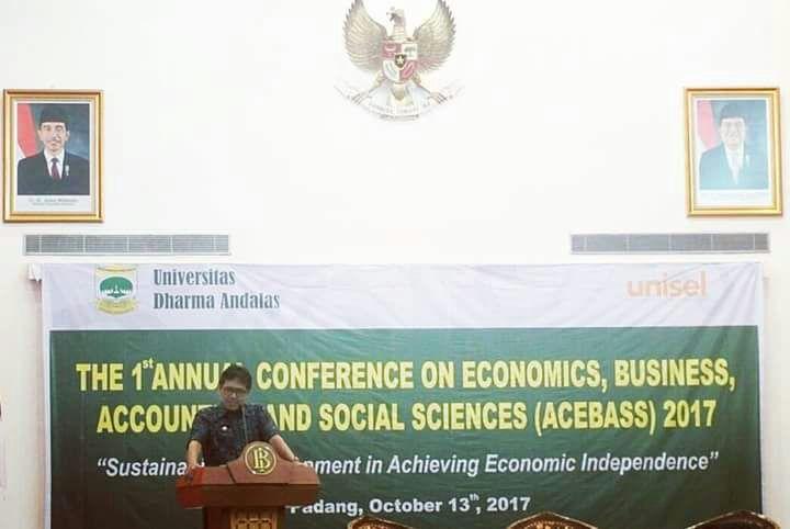 Gubernur Sumbar Buka Seminar Internasional