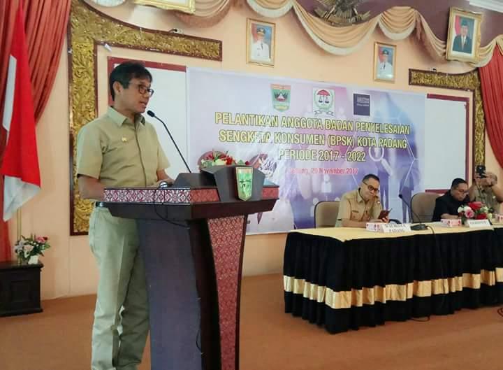 Gubernur Irwan Prayitno Lantik BPSK Kota Padang