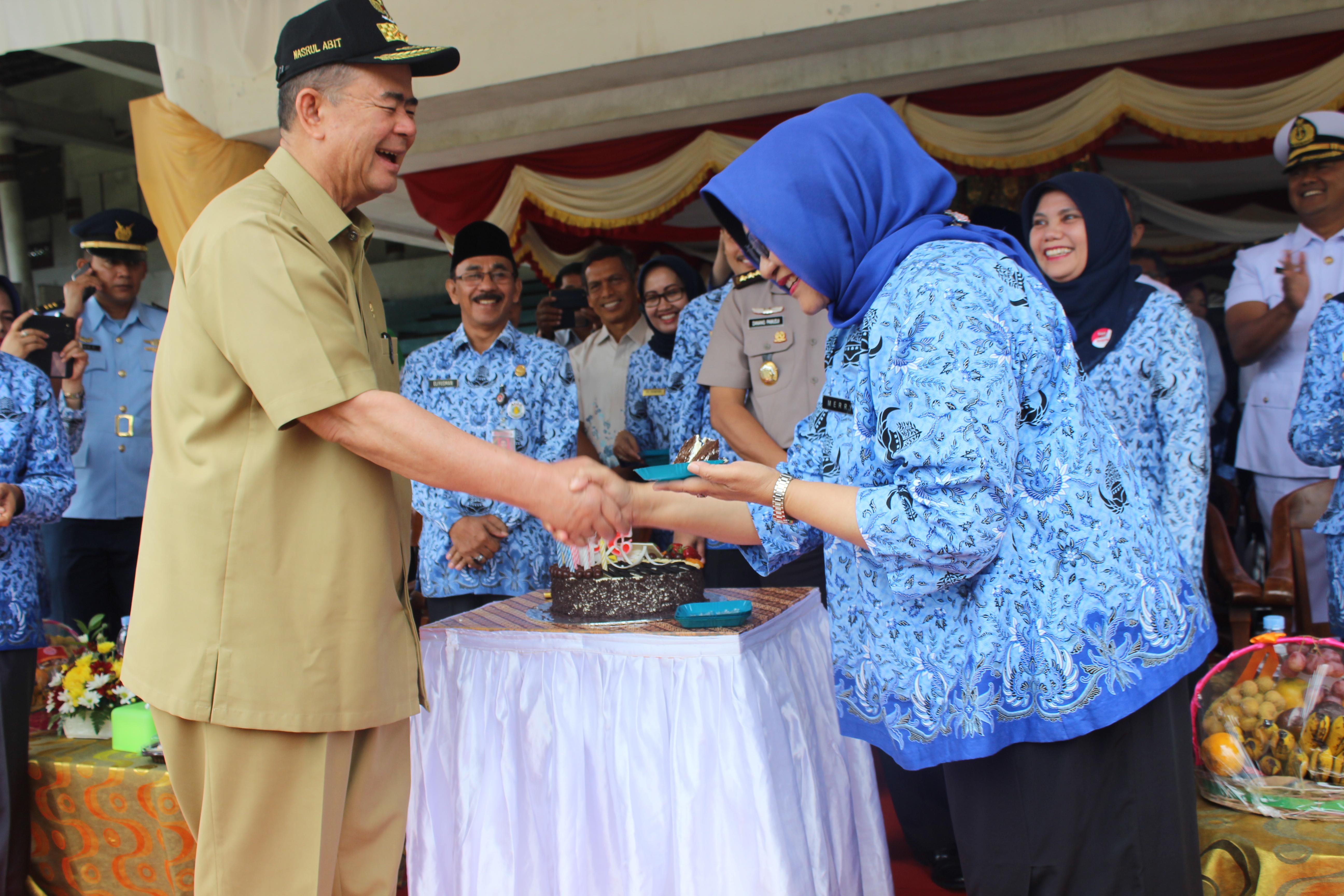 Upacara Peringatan Hari Kesehatan Nasional (HKN) Ke 53 Tahun 2017 di Lapangan Imam Bonjol Padang