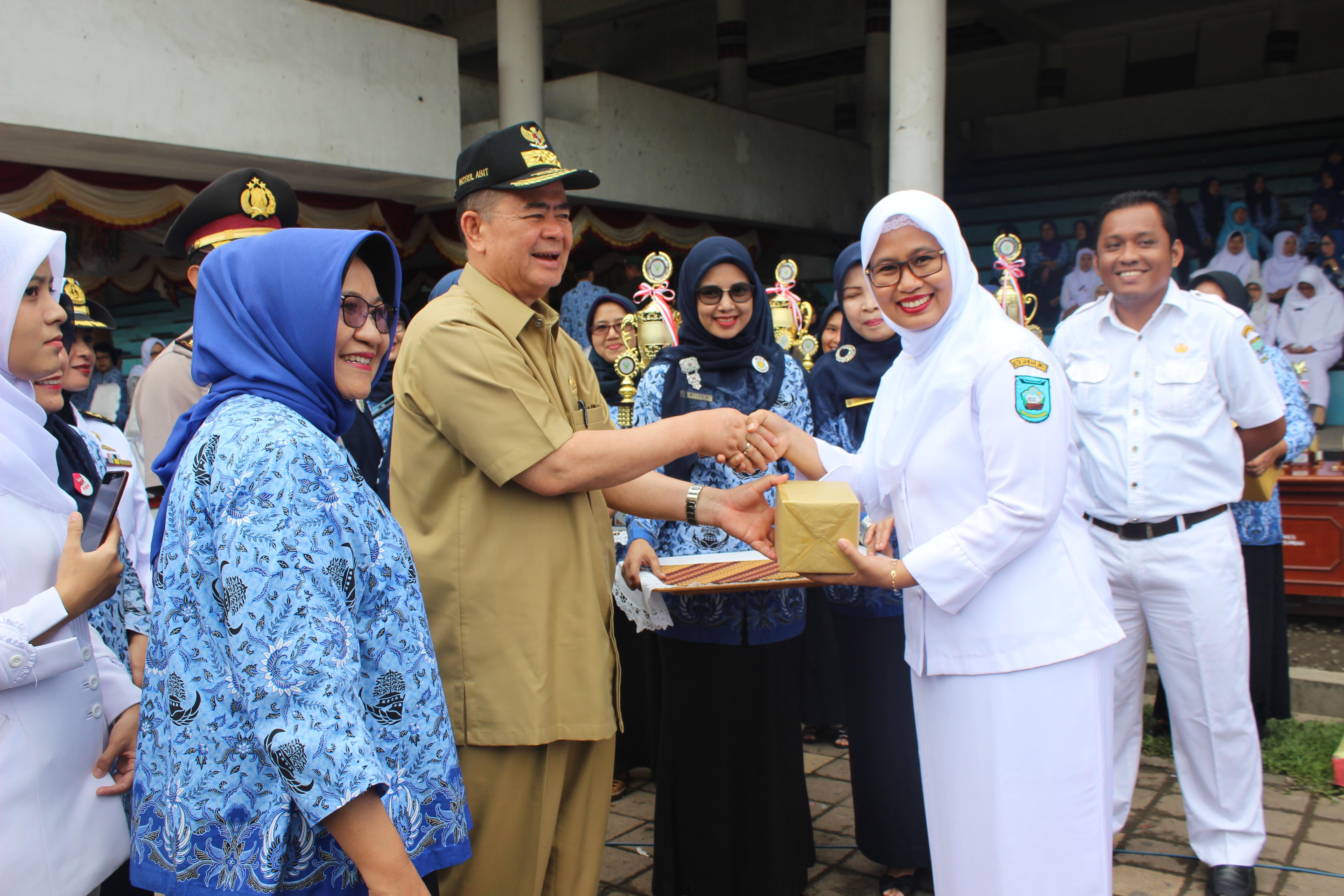 Upacara Peringatan Hari Kesehatan Nasional (HKN) Ke 53 Tahun 2017 di Lapangan Imam Bonjol Padang, 13 Nopember 2017