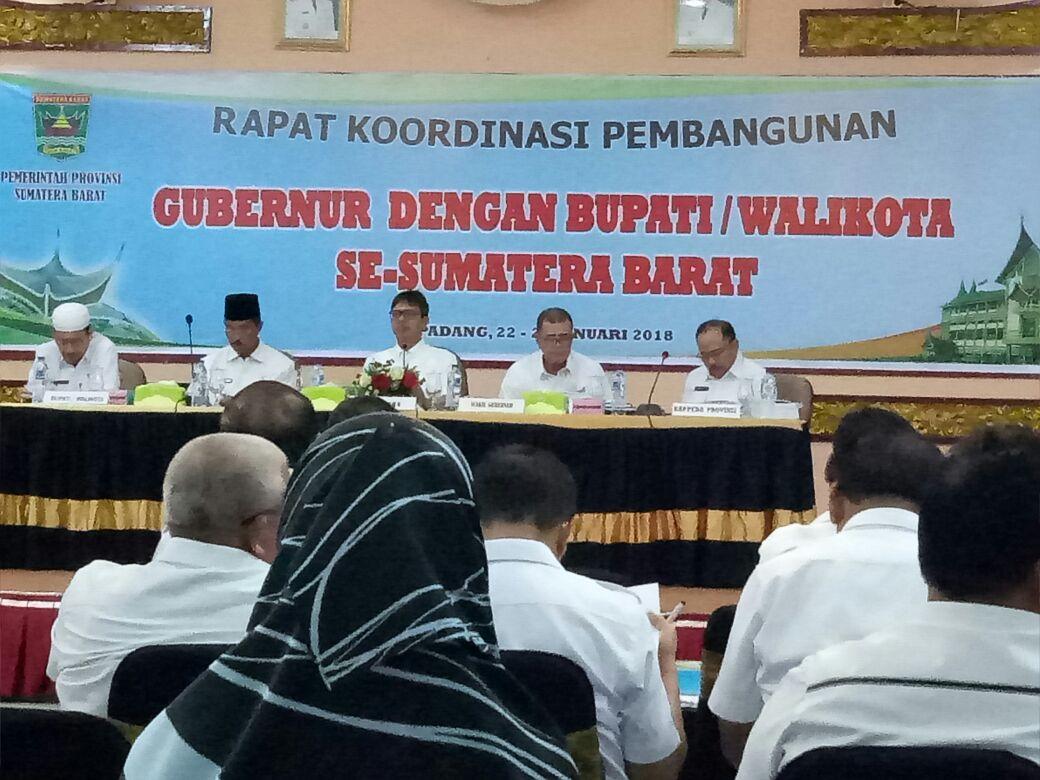 Gubernur Irwan Prayitno : Daerah Perlu Membuka Diri Untuk Investasi