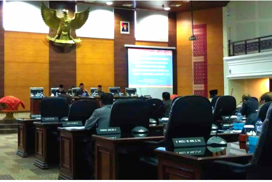 Rapat Paripurna DPRD Sumbar Pengambilan Keputusan Ranperda RZWP3K