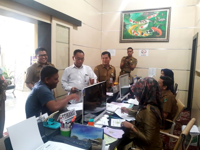 Kemenpan  melakukan Evaluasi pelayanan publik di DPM&PTSP Provinsi Sumatera Barat