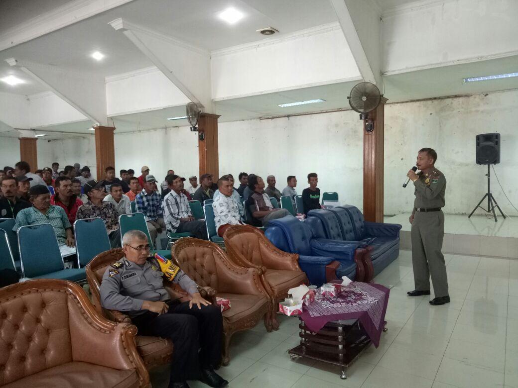 Pelatihan Satlinmas dalam Pengamanan Pemilu Wako dan Wawako Padang Panjang