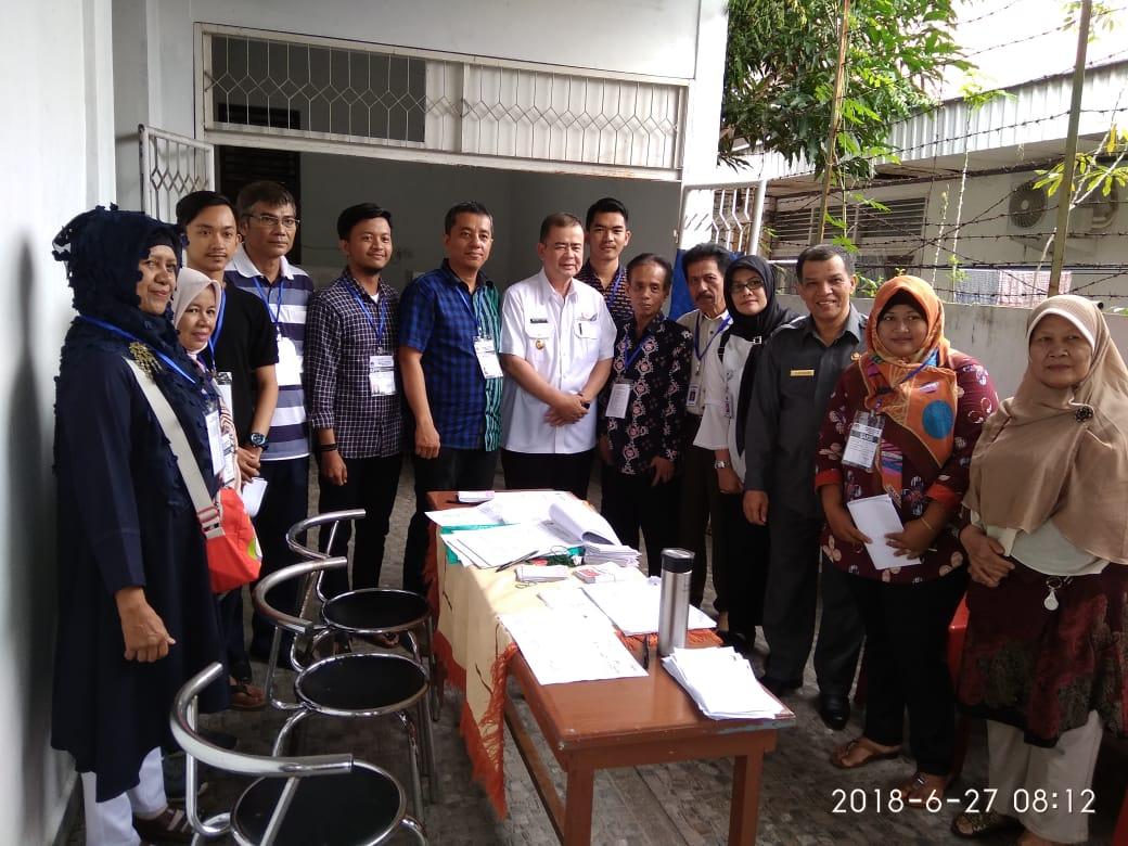 Pastikan Keamanan Pilkada, Wagub dan Kaban Kesbangpol Sumbar Kunjungi TPS di Padang.