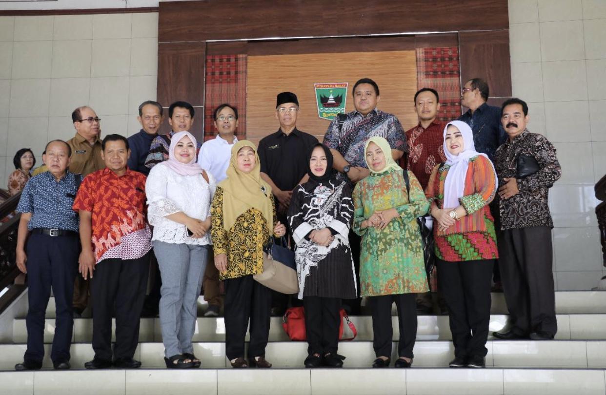 Rumuskan Ranperda Provinsi Cerdas, DPRD Jateng Sambangi Pemprov Sumbar