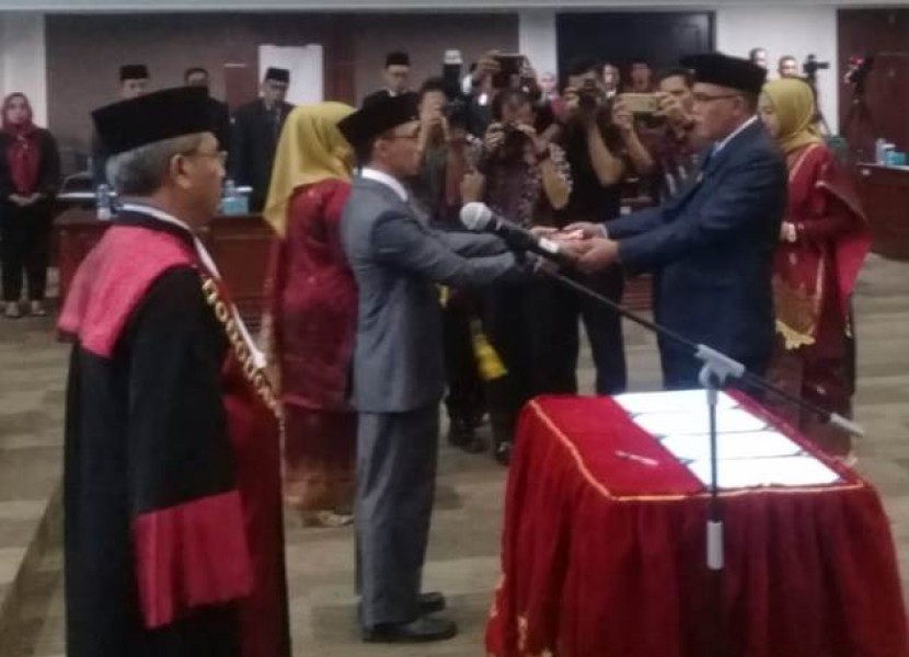 Pimpinan Definitif DPRD Sumbar Ditetapkan