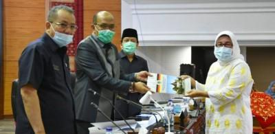 DPRD Sumbar Tetapkan Dua Ranperda Jadi Usul Prakarsa