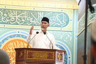Khatib Jumat di Masjid Taqwa Muhammadiyah, Buya Mahyeldi Paparkan 3 Karakter Generasi Tangguh