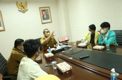 Duduk Bersama Aliansi BEM, Wagub Audy: Bantu Kami Percepatan Vaksinasi Sumbar
