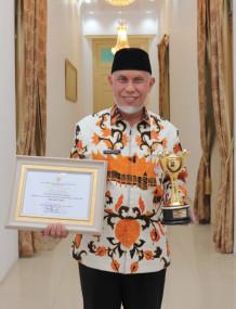 Provinsi Sumatera Barat Merahi  Anugrah Prahita Ekapraya 2020 Katagori Utama Oleh Kementerian PP PA RI
