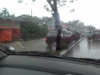 banjir simpang gadut 14mei15