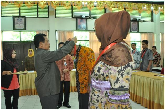 Penutupan Diklat TOT Karya Tulis Ilmiah Bagi Widyaiswara Di Lingkungan Pemerintah Provinsi Sumatera Barat