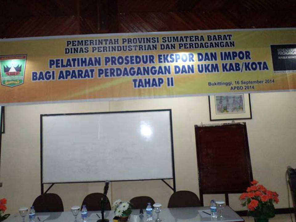 Pelatihan Prosedur Ekspor dan Impor Bagi Aparat Perdagangan dan UKM
